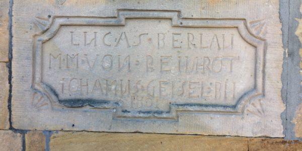 Inschrift in Münch-Leusel